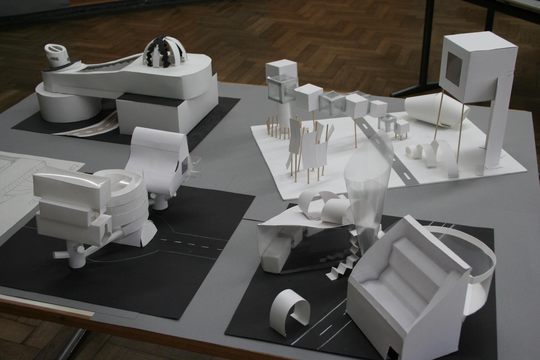 Klasse 10: Architekturmodelle (Öffentliches Gebäude)